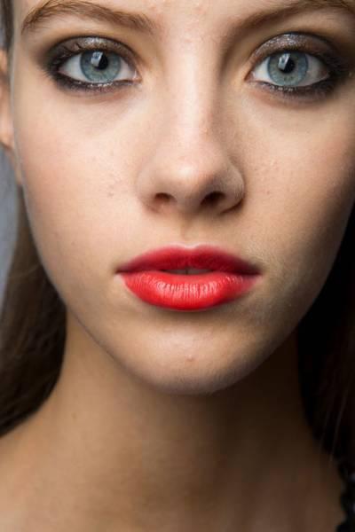 Как выбрать цвет помады для губ: как правильно подобрать оттенок губной помады (под цвет кожи и цвет глаз, брюнеткам, для объема)