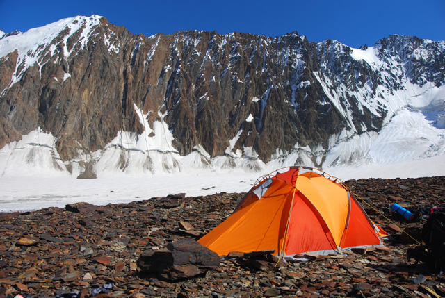 Как выбрать палатку туристическую: советы, отзывы, видео