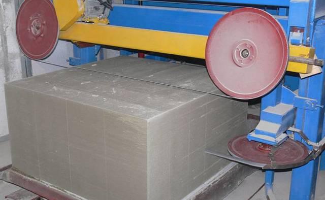 Какие стеновые блоки лучше использовать для строительства наружных стен дома: газобетон или пенобетон