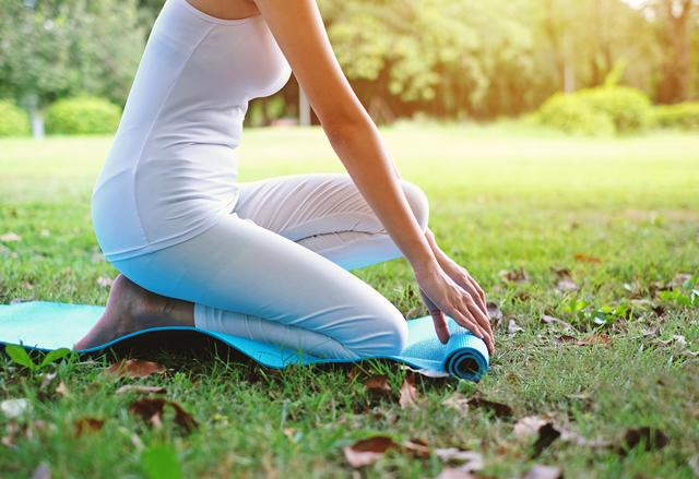 Как правильно выбрать коврик для йоги, фитнеса и тренировок: советы, отзывы