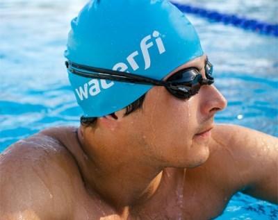 Как выбрать хорошую шапочку для бассейна и как ее надевать + фото