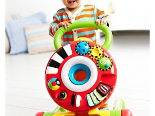 Ходунки для детей: с какого возраста, польза или вред от них и как выбрать правильно