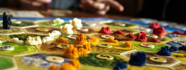 Настольные игры для всей семьи: что выбрать, рейтинг ...