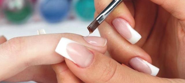 Гели для наращивания ногтей: эконом и премиум, что выбрать